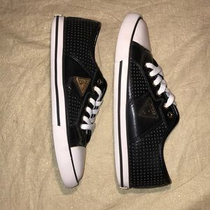 GUESS Converse Style sneaker.